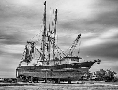 Louisiana Shrimp Boat Bw Art Print