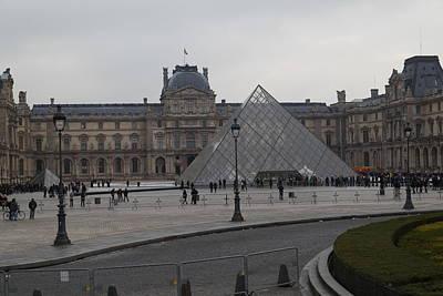Louvre - Paris France - 01136 Art Print