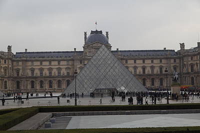 Attraction Photograph - Louvre - Paris France - 01139 by DC Photographer