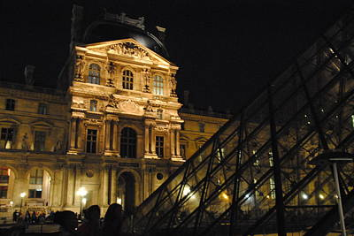 Louvre With Pyramid - Nite Art Print by Jacqueline M Lewis