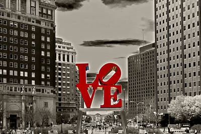 Fountains Photograph - Love Sculpture - Philadelphia - Bw by Lou Ford