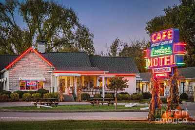 Photograph - Loveless Cafe by Brian Jannsen