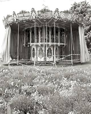 Vevey Photograph - Lovers Carousel by Colleen Williams