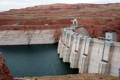 Low Water Levels In Lake Powell Art Print by Jim West
