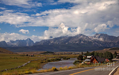 Photograph - Lower Stanley  And The Valley by Robert Bales