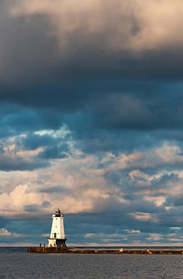 Photograph - Ludington North Breakwater Lighthouse At Sunrise by Sebastian Musial