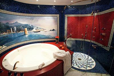 Mural Photograph - Luxury Bathroom by Andy Crump/science Photo Library