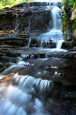 Waterfall Wall Art - Photograph - Lwv60003 by Lee Wolf Winter