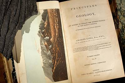Charles Lyell Photograph - Lyell's 'principles Of Geology' (1833) by Paul D Stewart