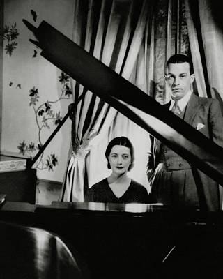 Photograph - Lynn Fontanne And Alfred Lunt At A Piano by Cecil Beaton