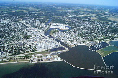 Photograph - M-043 Manitowoc Wisconsin Harbor by Bill Lang