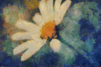 Daisies Digital Art - Ma Marguerite - D101-slv4clf by Variance Collections