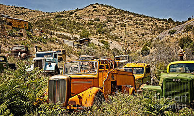 Photograph - Mack And Reo And The Gang by Lee Craig