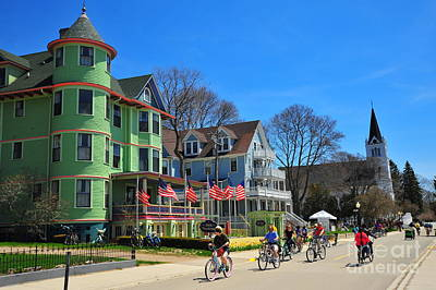 Mackinac Island Waterfront Street Art Print by Terri Gostola