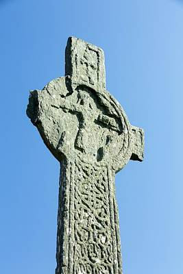 Stone Carving Photograph - Macleans Cross by Ashley Cooper