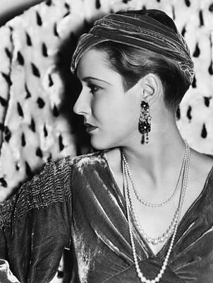 Chandelier Earrings Photograph - Mae Clarke, Photo Taken May 10, 1933 by Everett
