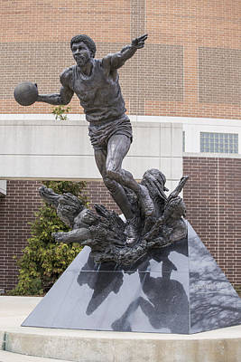 Magic Johnson Photograph - Magic Johnson Statue At Breslin  by John McGraw