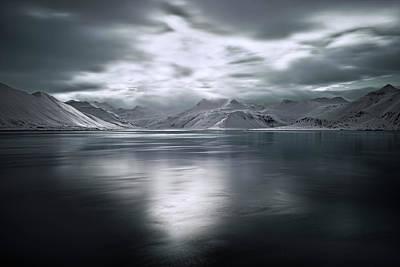 Frozen Photograph - Magic Moment by Liloni Luca