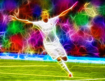 Cristiano Ronaldo Drawing - Magical Cristiano Ronaldo by Paul Van Scott