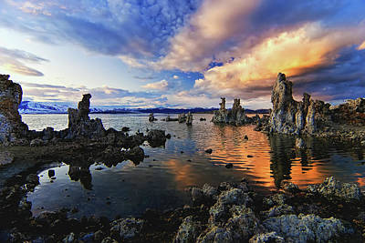 Tourist Attractions Photograph - Magical Mono Lake by Andrew J. Lee