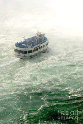 Photograph - Maid Of The Mist by Frank Townsley