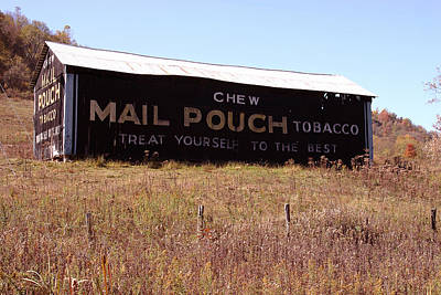 Photograph - Mail Pouch Barn by Daniel Houghton