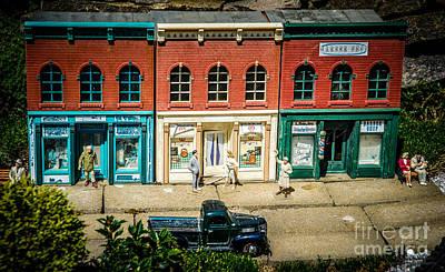 Queen - Main Street Miniature by Grace Grogan