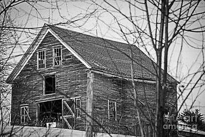 Old Maine Barns Photograph - Maine Barn by Alana Ranney
