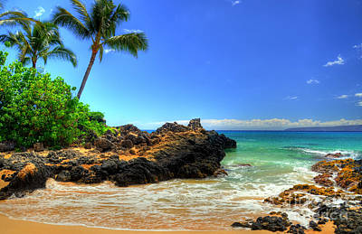 Landscapes Royalty-Free and Rights-Managed Images - Makena Secret Cove Paako Beach by Kelly Wade
