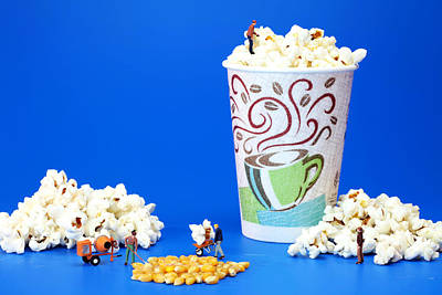 Making Popcorn Art Print by Paul Ge