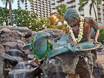 Photograph - Makua  Kila Statue In Waikiki Oahu Island Hawaii by Marek Poplawski