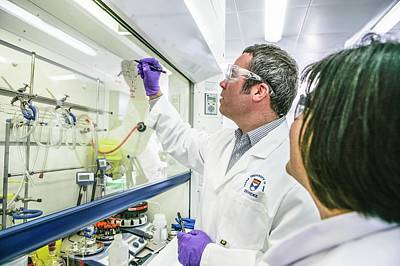 Dundee Photograph - Malaria Drug Research by Gustoimages
