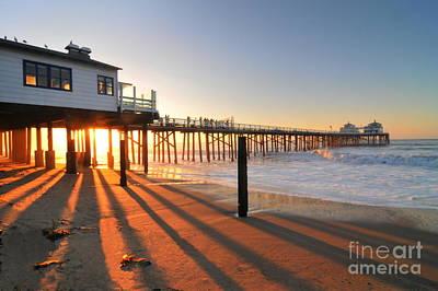 Photograph - Malibu Pier Sunburst by Richard Omura