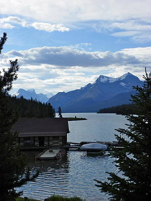 Photograph - Maligne Lake by Georgia Hamlin
