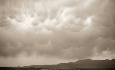 Studio Graphika Literature - Mammatus Clouds by Marilyn Hunt