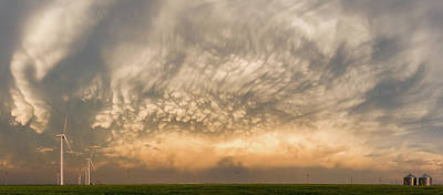Silos Photograph - Mammatus by Rob Darby