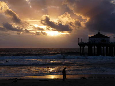 Photograph - Manhattan Beach Pier Sunset by Jeff Lowe