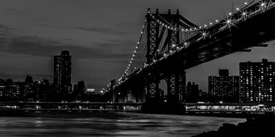 Photograph - Manhattan Bridge At Dusk - Bw by David Hahn