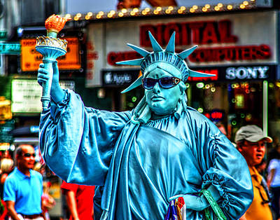 Photograph - Manhattan Liberty 001 by Jeff Stallard