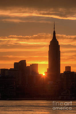 Photograph - Manhattan Sunrise I by Clarence Holmes