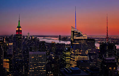 Manhattan Sunset Art Print by Susan Candelario