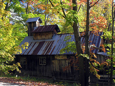 Photograph - Maple Syrup Barn by Robert Lozen