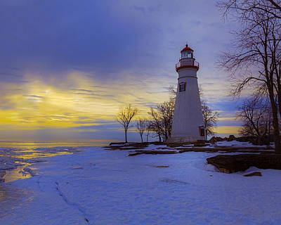 Photograph - Marblehead Lighthouse Winter Sunrise by Jack R Perry
