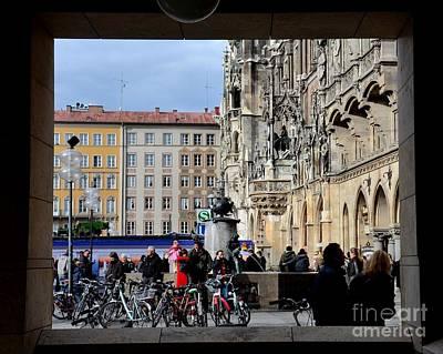 Mareinplatz And Glockenspiel Munich Germany Art Print