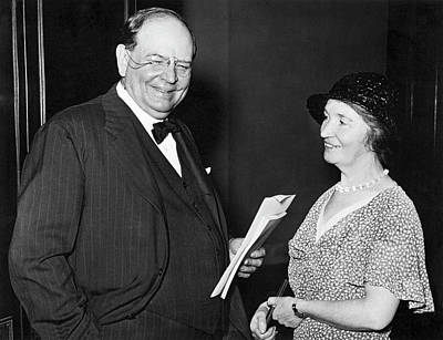 Former Senators Photograph - Margaret Sanger With Senator by Underwood Archives
