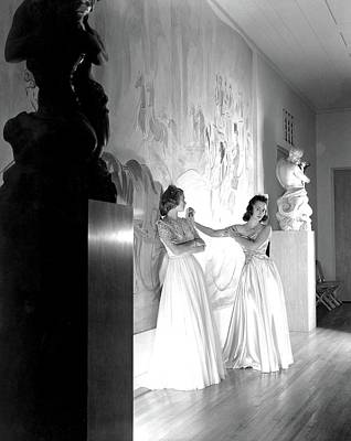 Margery Abbet And Patricia Delehanty At The River Art Print by Horst P. Horst