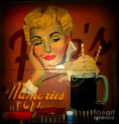 Photograph - Marilyn And Fitz's by Kelly Awad