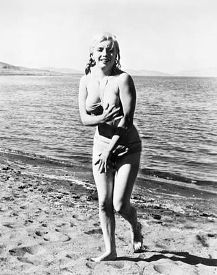 Photograph - Marilyn Monroe (1926-1962) by Granger