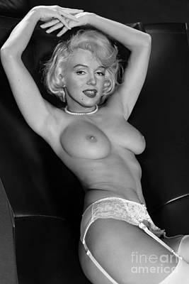 Give Pyrography - Marilyn Monroe Fantassy Nude by Jorge Fernandez