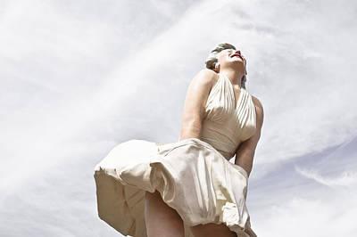 Photograph - Marilyn Monroe Statue by Ben Graham
